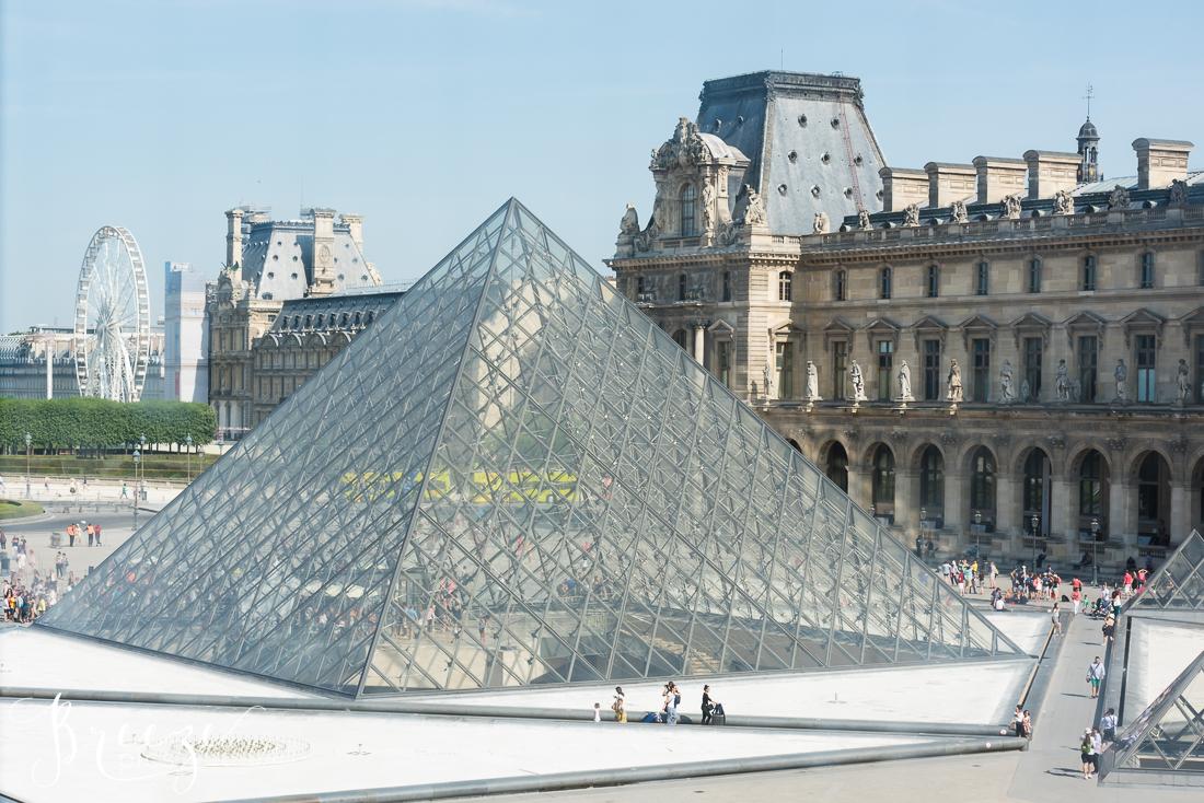 Louvre_Pyramid_2.jpg