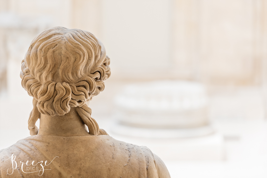 Sculpture_Louvre.jpg