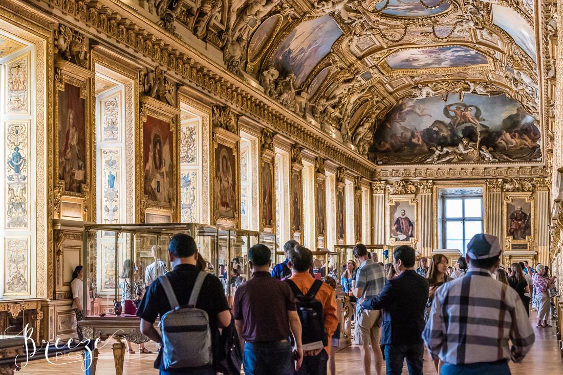 Louvre_Interior.jpg