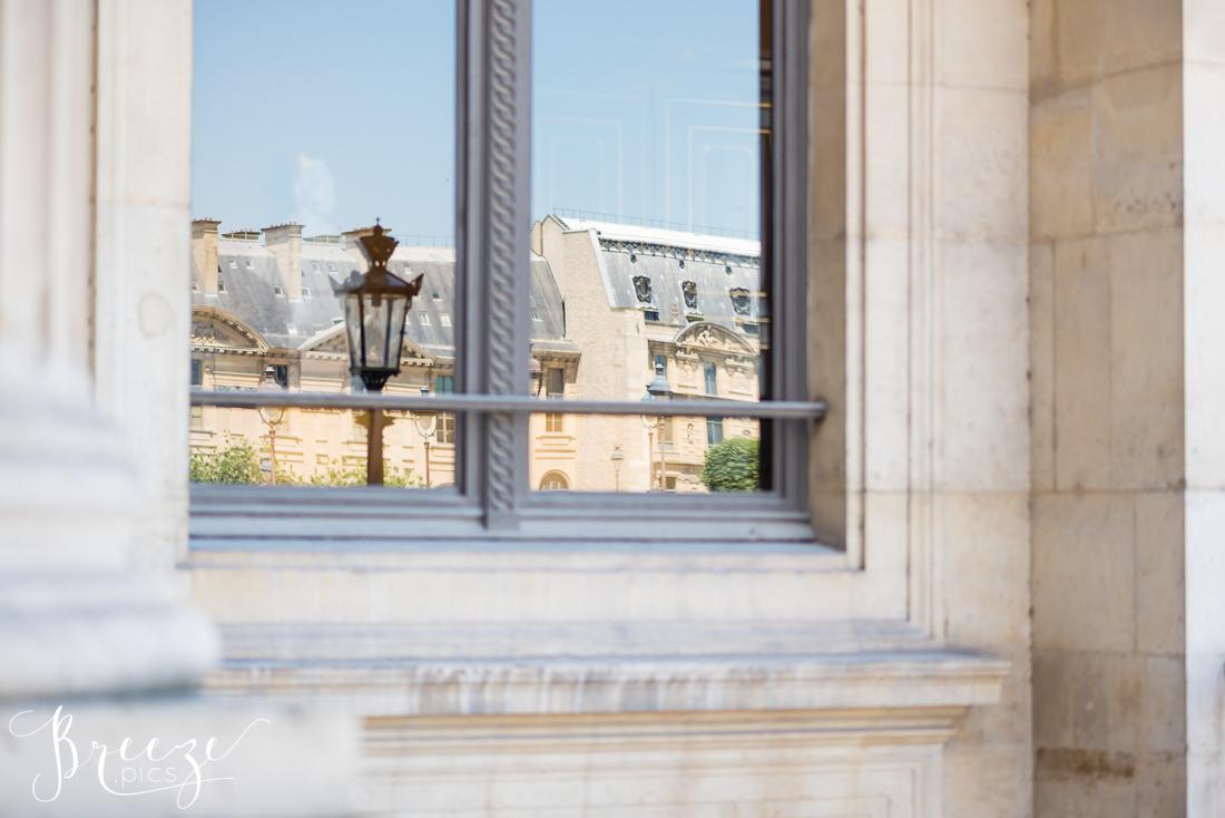 Exterior_reflections_Louvre.jpg