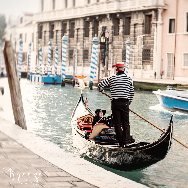 gondolier, Venezia, limited edition home decor print, fine art photography, Bernadette Meyers