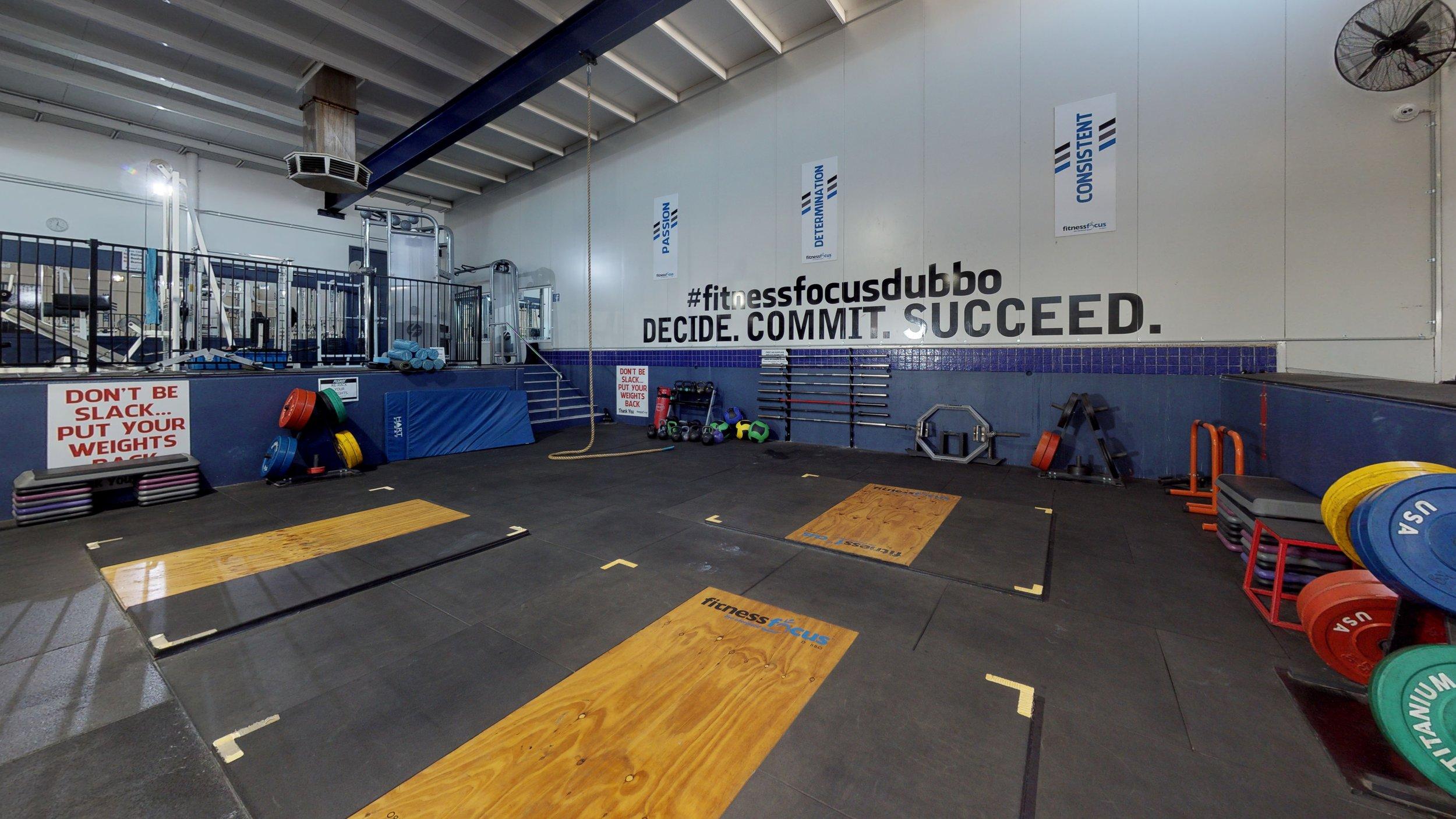 Fitness-Focus-Garage (11).jpg