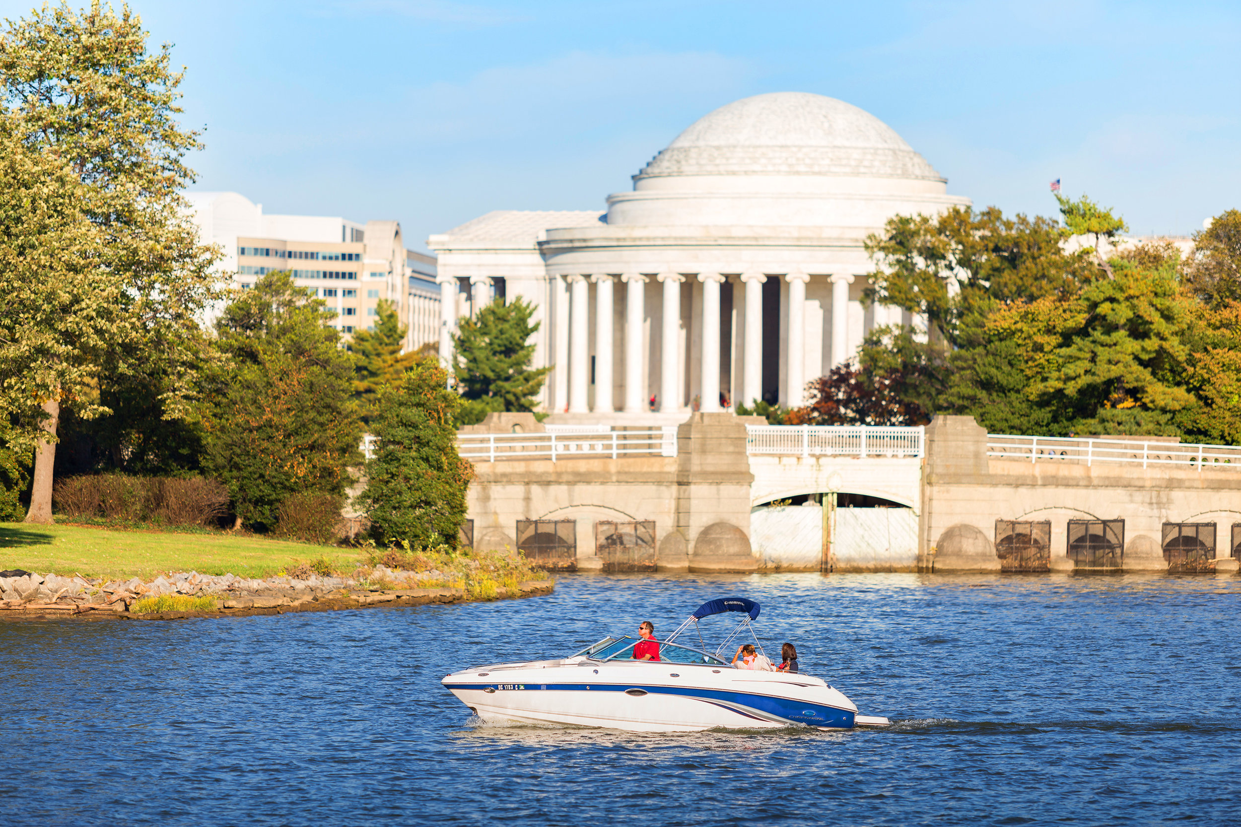 Idling-by-the-Jefferson-Monument.jpg