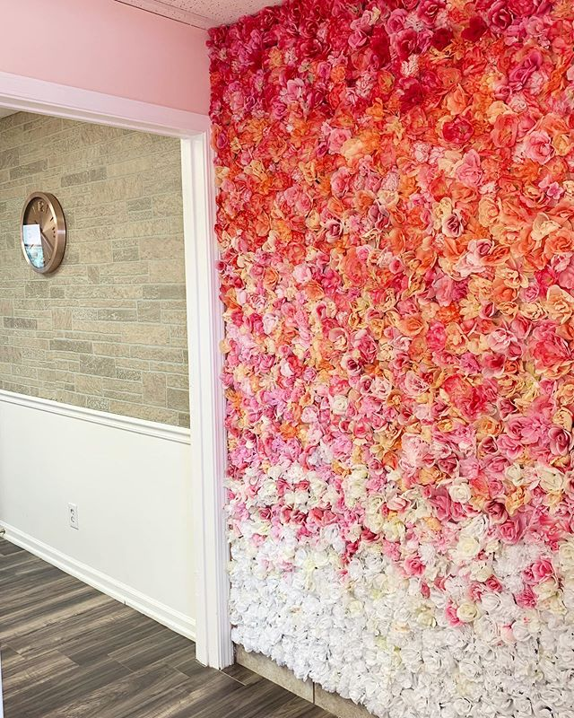 8ft flower wall 🌺 . . . #saloninspo #salonsuites #saloninspo #kansascity #kansascityhairstylist #flowerwall #flowerwalls #flowerwallhire #prettysuite #prettysuitekc #blowout #blowoutstyles #diy #diyhomedecor #overlandpark #brickwallpaper