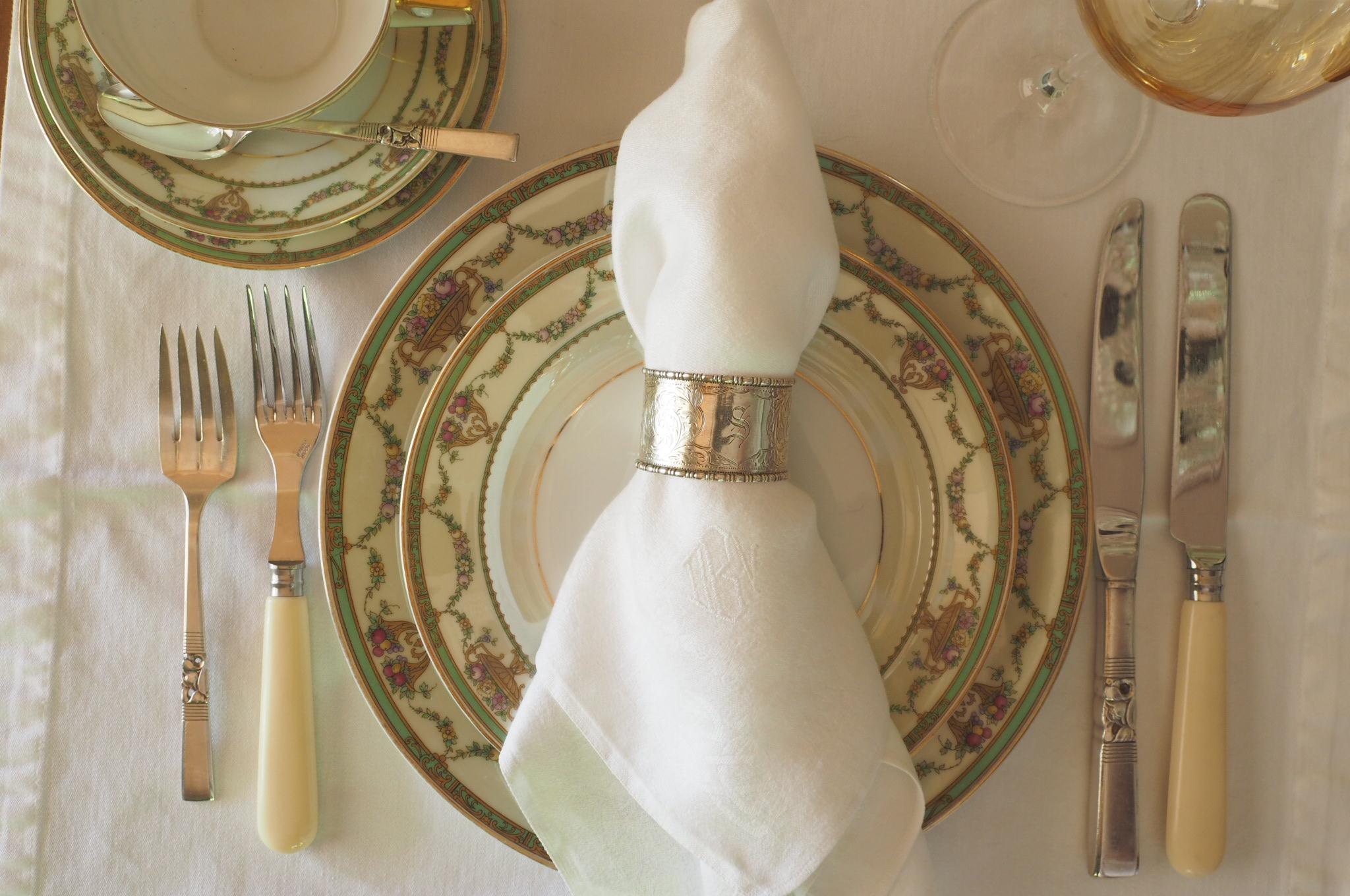 White table linens.JPG