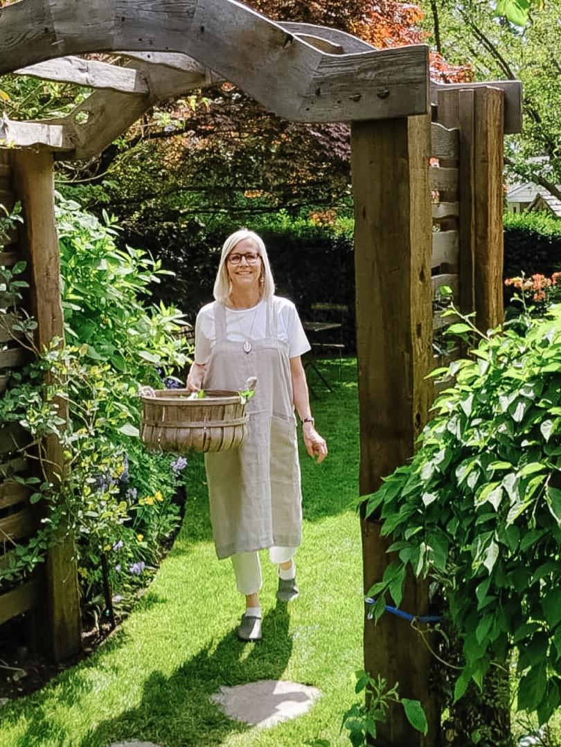 Arbour garden.jpg