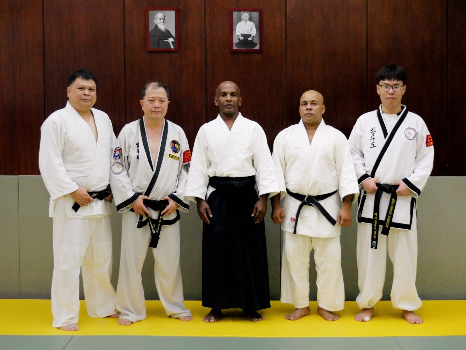 Joe Shihan and Ramlan Ortega Sensei with participants from the Hanmudo Association Singapore