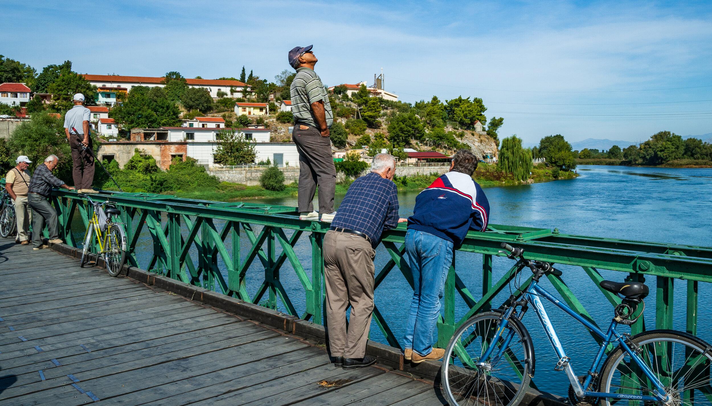 Sonn-Tag - Brücke bei Shkodër, Albanien