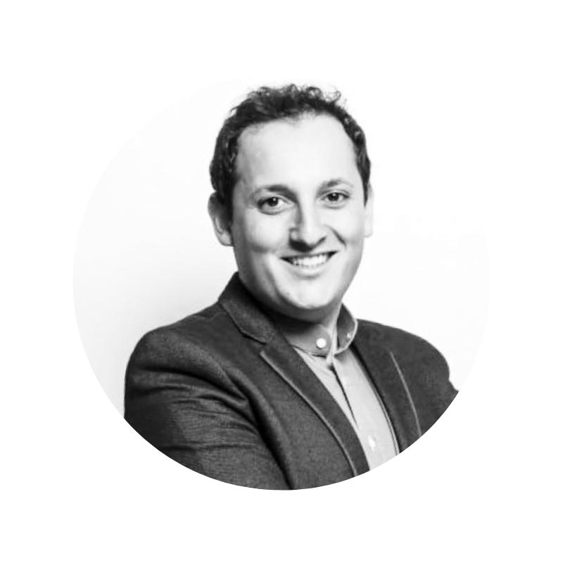 Stéphane Boukris - Co-fondateur de l'agence Ametix, Stéphane a la don de concevoir des opérations de communication fulgurantes ! En 2009, il crée le site polémique FaisMesDevoirs.com pour faire les devoirs des élèves à leur place mais celui-ci ferme sous la pression du gouvernement français le lendemain de son ouverture.[Il lance ensuite combienjemérite.com et le Concours du Meilleur Développeur de France, ce qui lui permet de sourcer des milliers de développeurs web. Ne pensez plus Facebook ni Twitter, pensez Boukris !