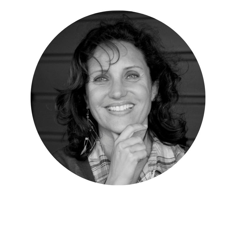 Catherine Berthilliet - Après avoir dénoncé pendant 20 ans ceux qui détruisent le monde dans ses enquêtes d'investigation pour les grandes chaînes de télévision françaises, Catherine Berthillier décide, en 2008, de mettre ses compétences et son large réseau de contacts en France et à l'étranger en créant Shamengo, une association et plateforme qui met en avant les entrepreneurs impliqués dans l'innovation verte, sociale et digitale afin de un créer un monde de demain plus respectueux pour tous.