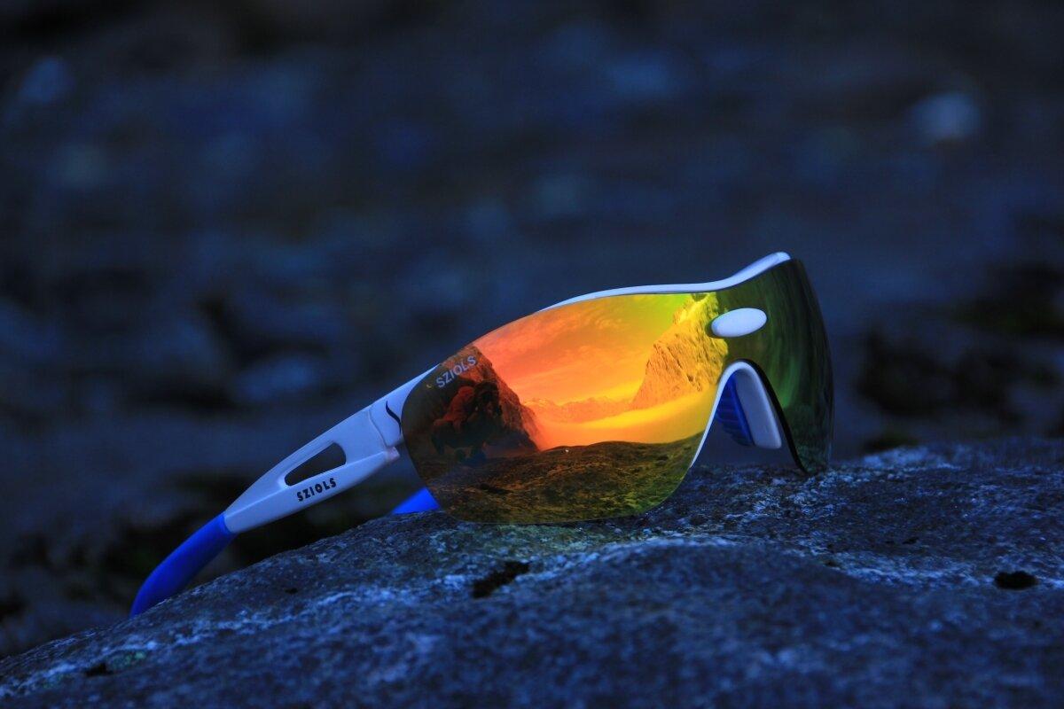 Sziols -sportglasögon med olika färgers linser till alla ljusförhållanden.