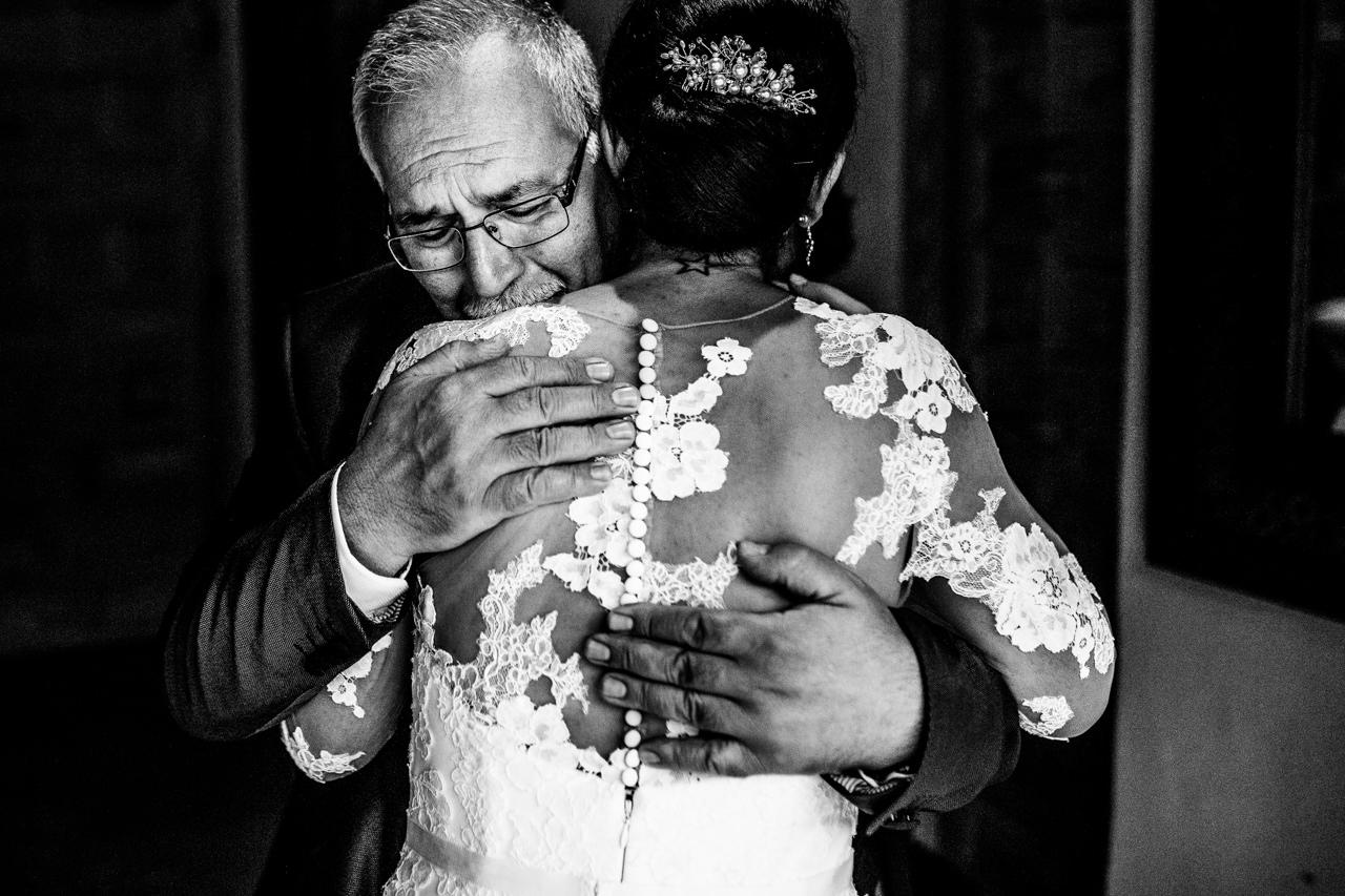 wedroads - wedding photography - love photography - moments - barcelona - madrid - marbella - fotografia de boda diferente - artistica-75.jpg