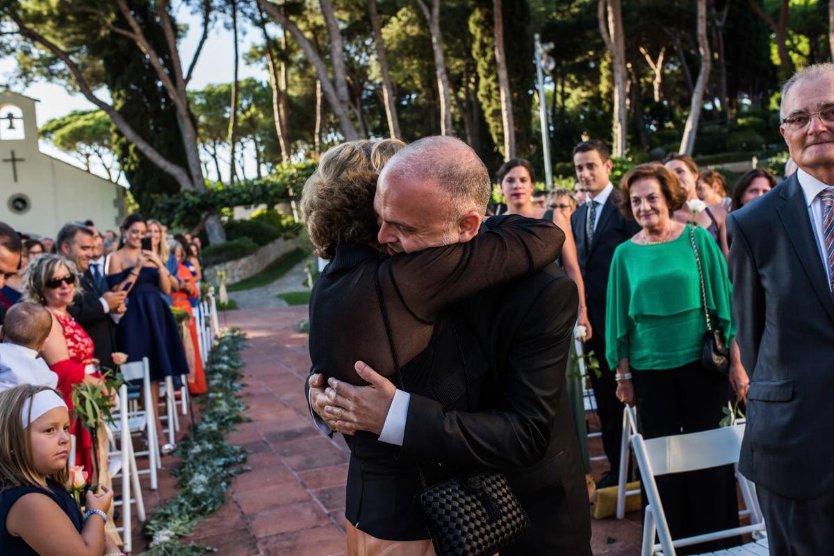 wedroads-boda-hotel-can-mora-de-dalt-punzano-fotografia-bodas-barcelona-weddings-destination-21.jpg