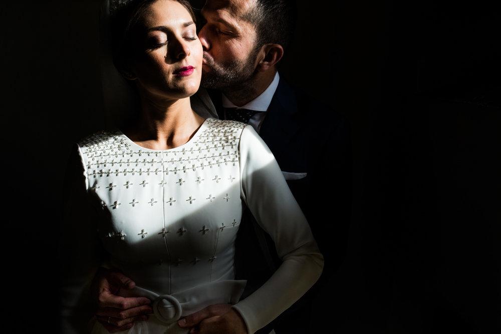 Wedroads-wedding-seville-rafaeltorresphoto-thewedroads-differentwedding-post-love.jpeg