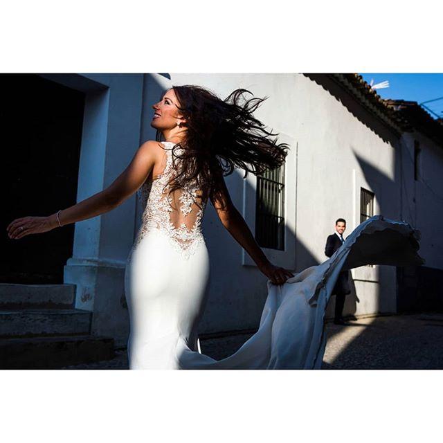 Dance @rafaeltorresphoto - www.thewedroads.com - #wedding #weddingwithlove #weddingday #weddingplannerspain #weddingphoto #weddingphotographer #weddingtime #moments #weddingphoto #wednesday #party #partywedding #trashthedress #weddingspain #weddingphotographerspain #thewedroads #weddingstyle #weddingideas #cadiz #instalove  #instaphoto #instaphotographer #instafamily #instagram #instamoment #bridal #huelva