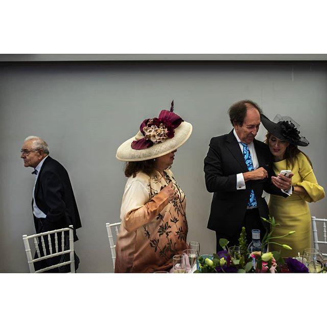 Guests @punzano_ - www.thewedroads.com - #couple #love #moment #trashthedress #weddingday #bride #bridal #groom #weddinglove #weddingart #weddingmoments  #thewedroads #weddingspain #photographers #details #people #barcelona #weddingspain #barcelonalovers #instalove #instamoment #sunlove #sun #instastreet #weddingphotographers #weddingphoto #guest