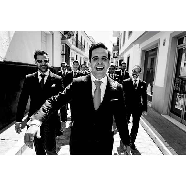 Bestgroom @rafaeltorresphoto - www.thewedroads.com - #love #moment #family #weddingday #weddinglove #weddingart #weddingmoments #weddingswithlove #weddingdays #lovefamily #bestman #thewedroads #weddingspain #photographers #details #people  #seville #party #weddingparty #gentleman #bestgroom