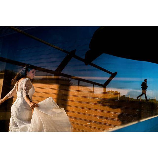 Moving @rafaeltorresphoto - www.thewedroads.com - #wedding #weddingwithlove #weddingday #weddingplannerspain #weddingphoto #weddingphotographer #weddingtime #moments #weddingphoto #wednesday #party #partywedding #trashthedress #weddingspain #weddingphotographerspain #thewedroads #weddingstyle #weddingideas #cadiz #instalove  #instaphoto #instaphotographer #instafamily #instagram #instamoment #bridal