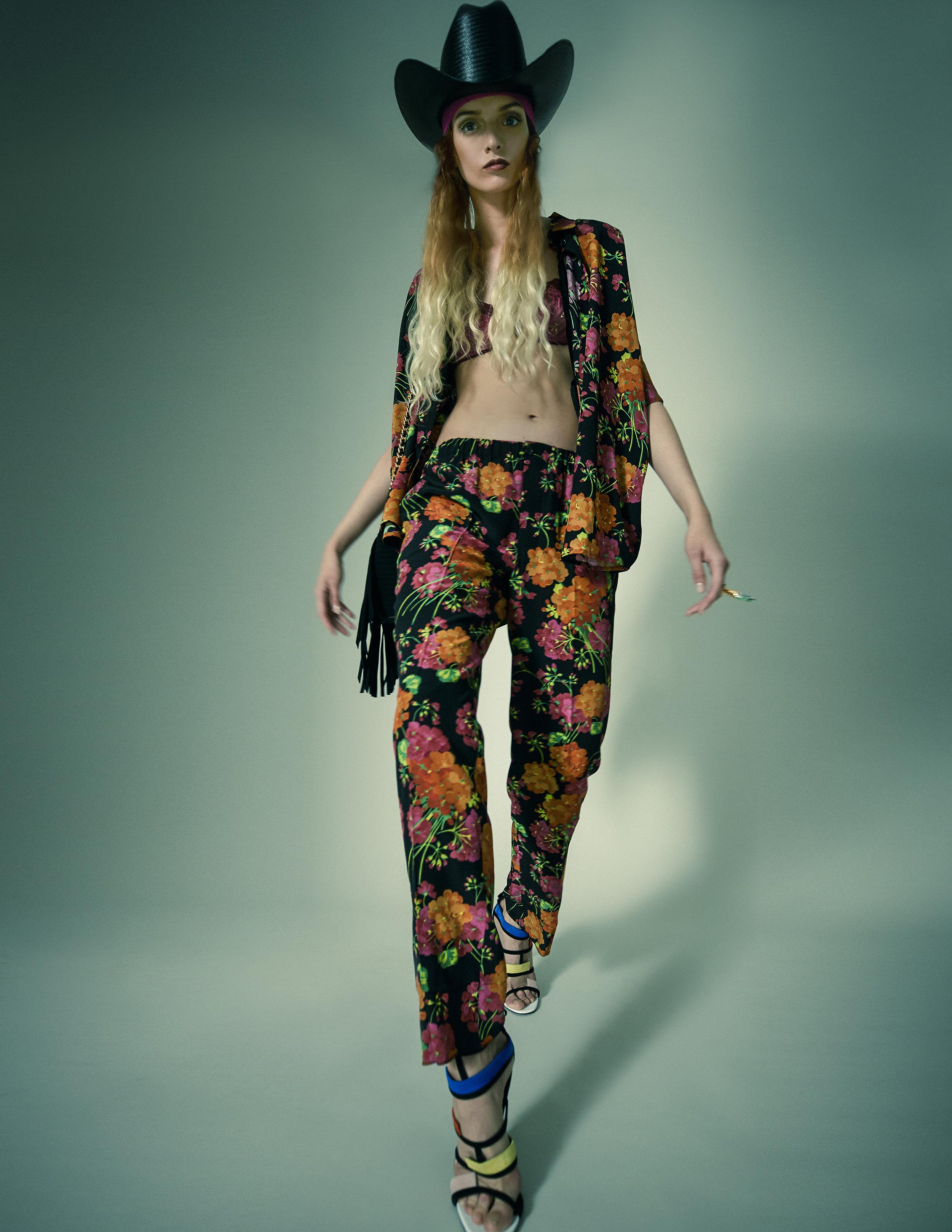 Shirt – Gucci Trousers – GucciBra – ChantelleShoes – GreymerBag – MoschinoHat – MoschinoRing – Sciumé