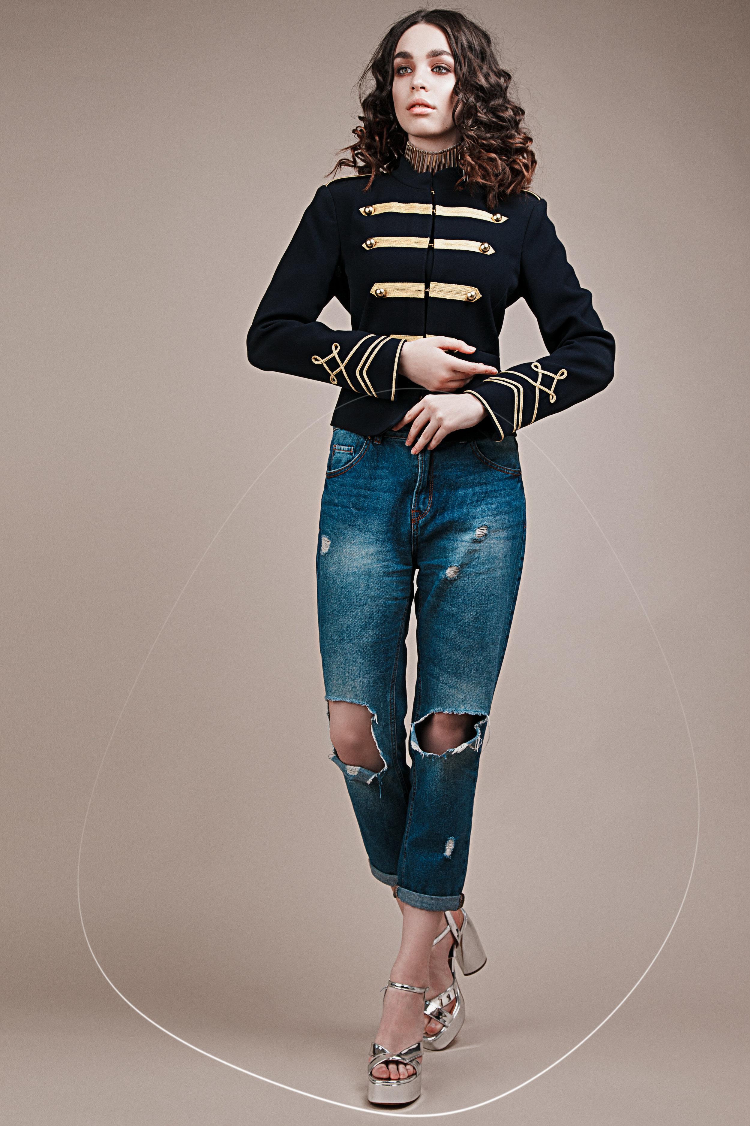 jacket Stradivarius, jeans Levis, accessories H&M, shoes Zara