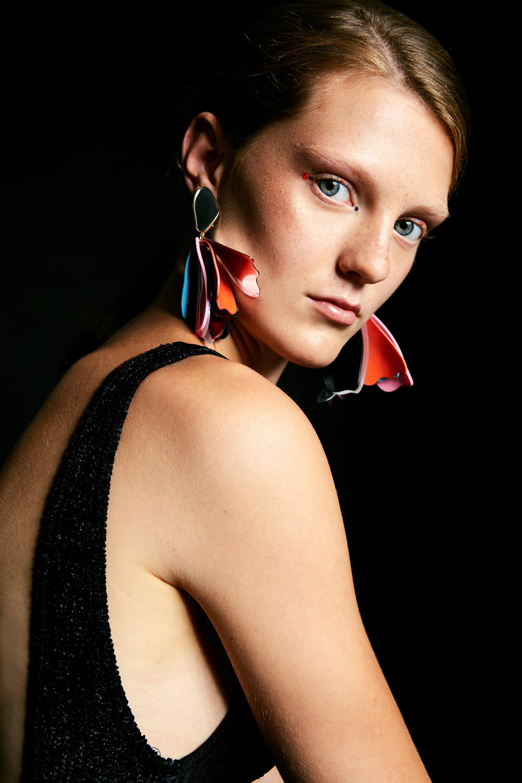 Bathingsuit: Episode (vintage)  Earrings: Zara
