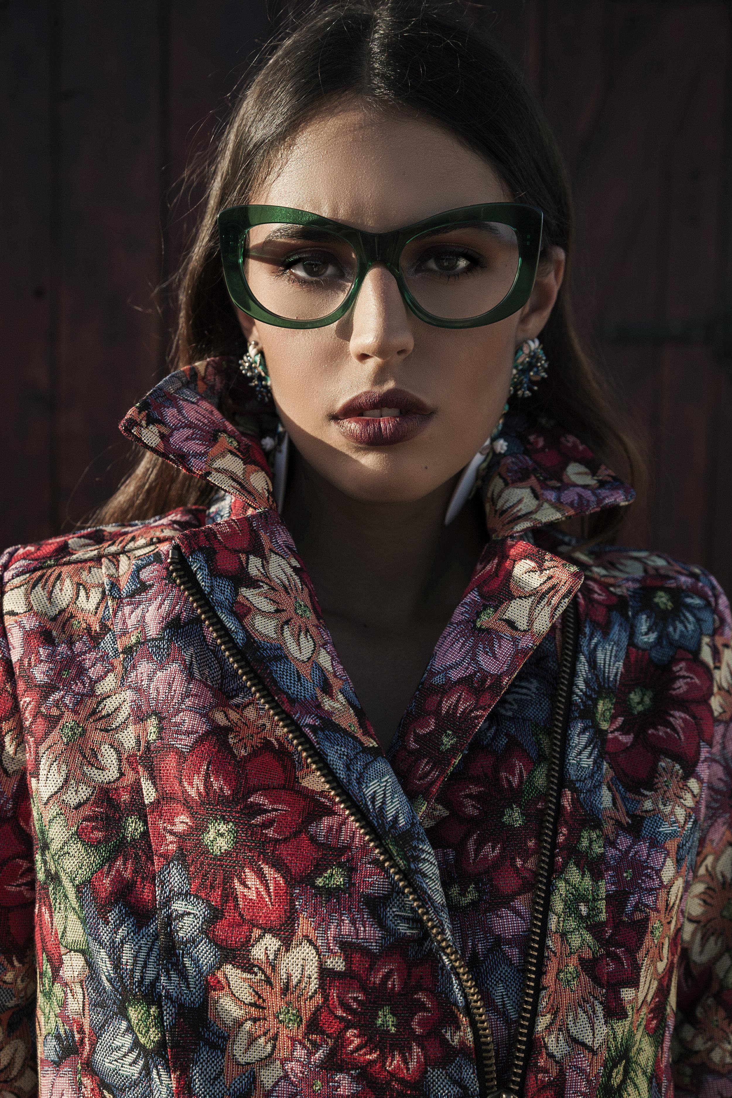 Total looks: Dvega / sunglasses: multiopticas /earing : Laura Luján