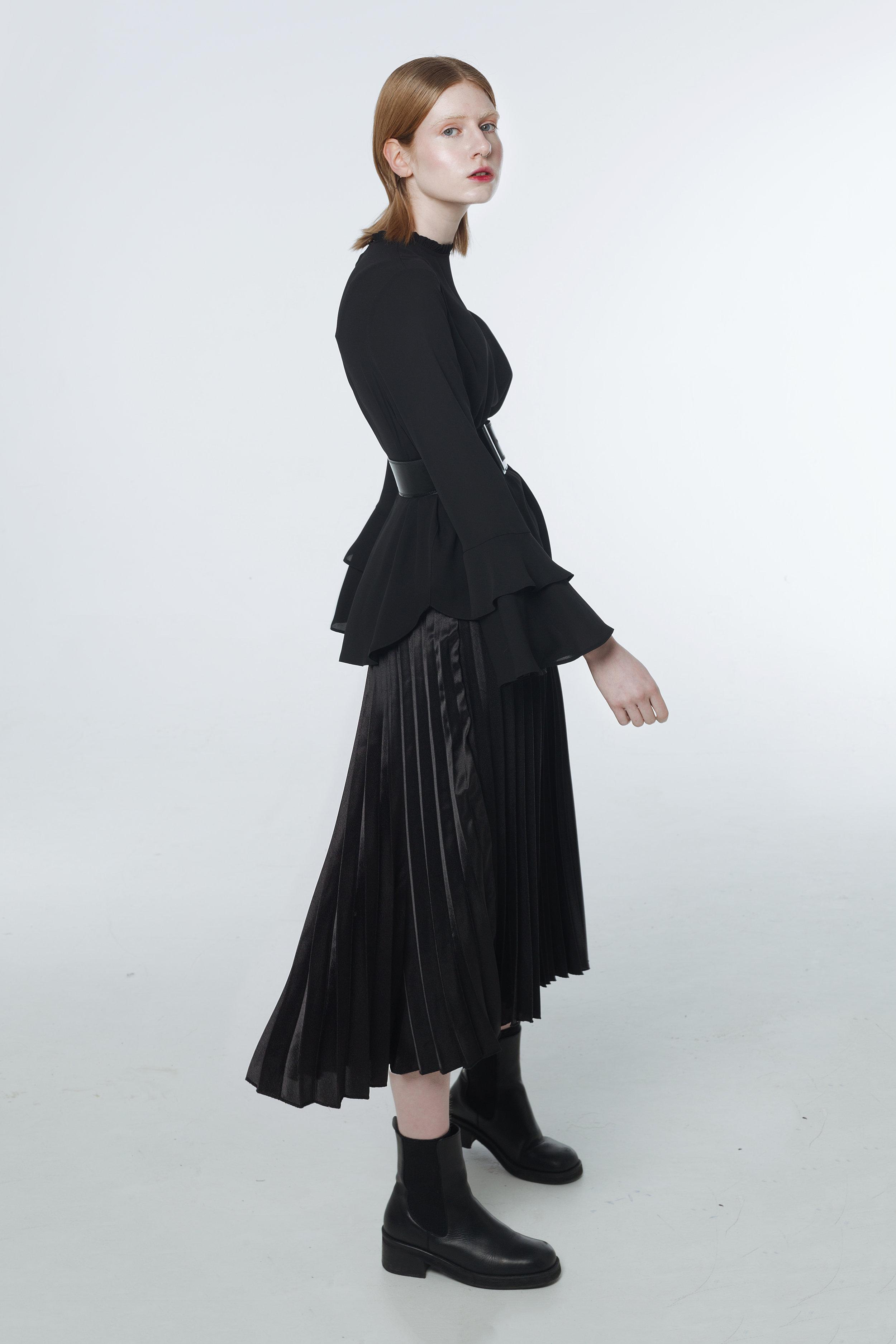 Top / Dorothy Perkins  Belt / Original Penguin  Skirt / Primark  Boots / E8 by MIISTA
