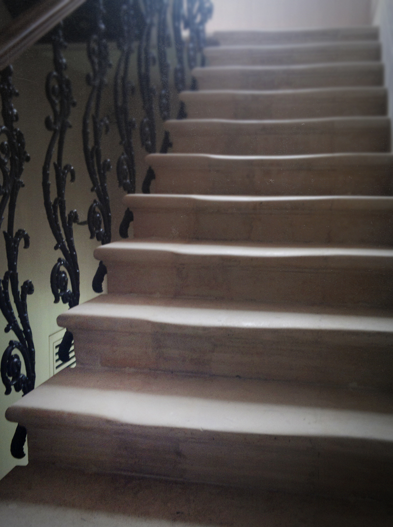 00portland stone stairs with spindles.jpg