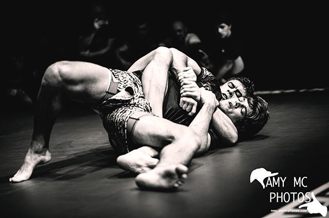 Always a pleasure to photograph these top fighters at @battle_grapple ! Amazing atmosphere with some sick fights from Saturday 26th📸 Check out the Combat Performance League FB page to view more 🙌🏼 #sports #sportsphotography #grappling #bjj #fight #fighting #jiujitsu #bjj #brazillianjiujitsu #freelance #freelancephotographer #sport #fightshow #martialarts #guildford #battlegrapple #instaphoto #instasport #instapic #picoftheday #follow #amymcphotos #nikonsports #sigmaart #sigma