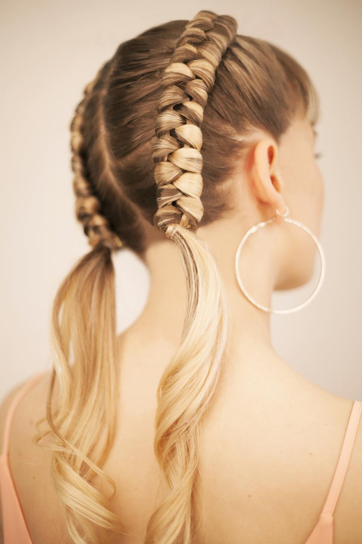 The infinity braid