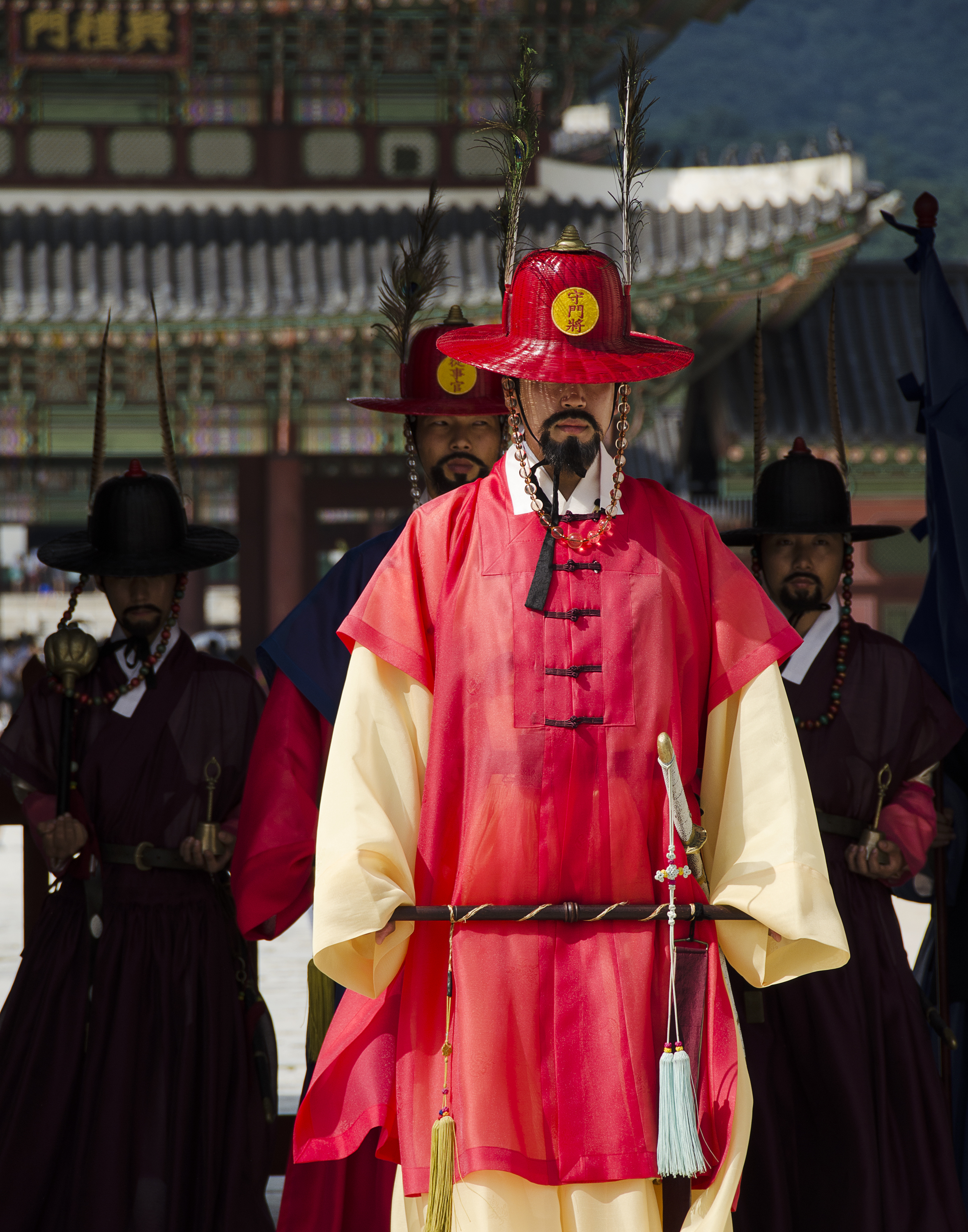 Spencer_Drake_Honour_Guard_Photography_Korea_Seoul_Gyeongbokgung_palace_guard_people_travel_traditional_clothing.jpg