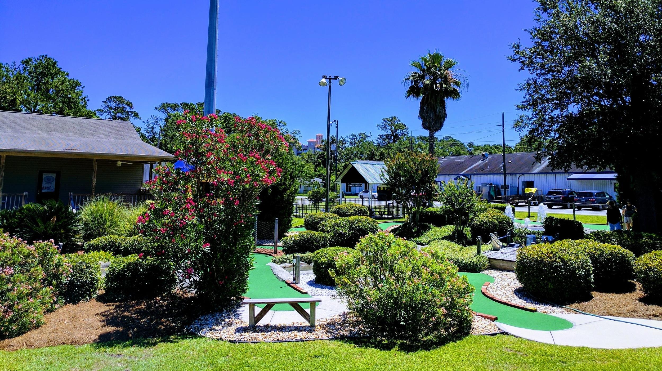 Bogeys Sports Bar & Mini Golf