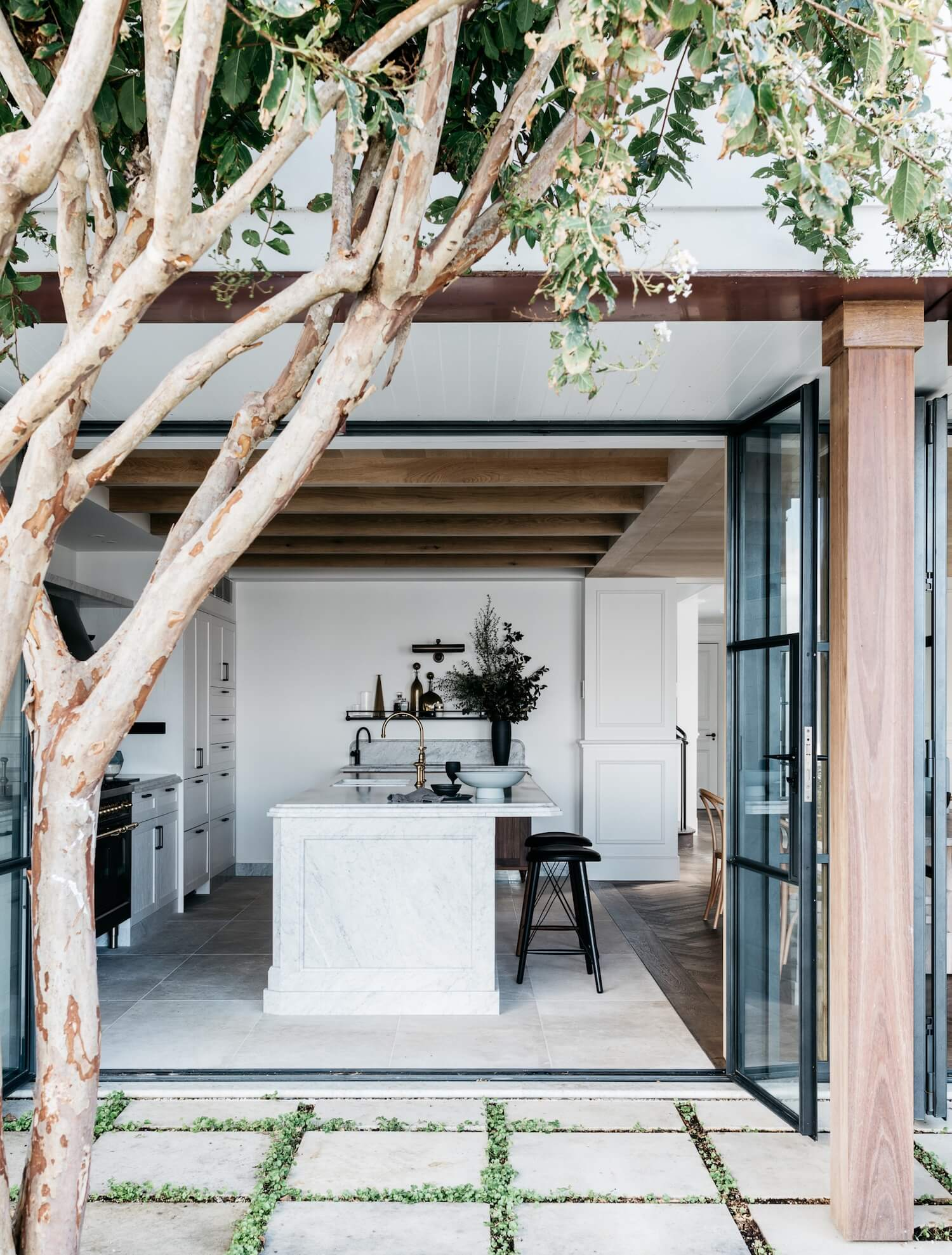 est_living_palm_beach_house_7.jpg