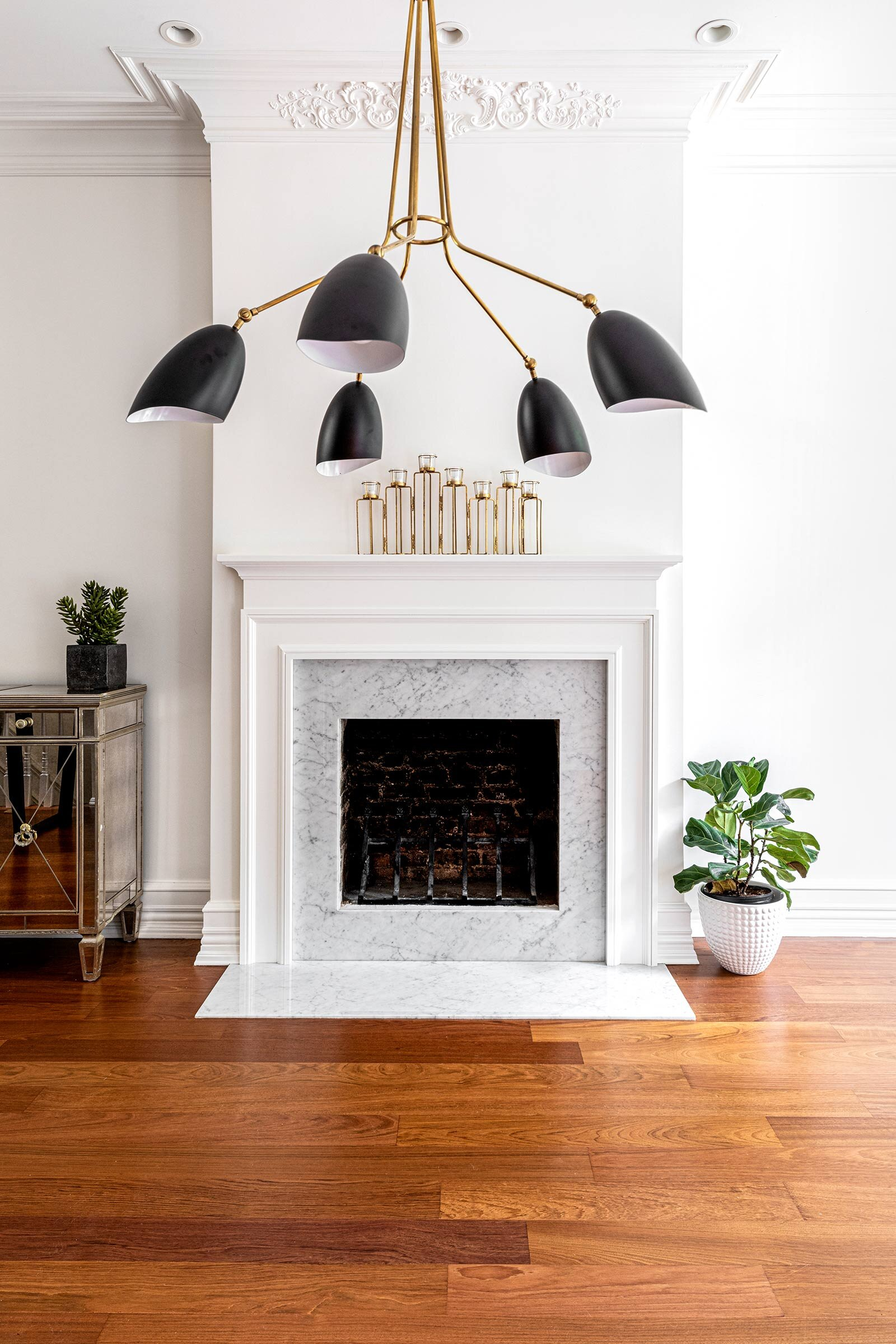 thompson-home-renovations-contractor-fireplace-townhouse.jpg