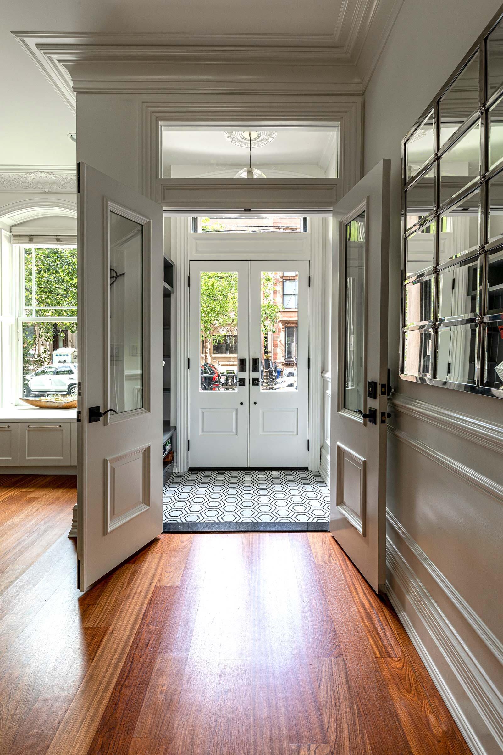 thompson-home-renovations-contractor-mudroom-vestibule-doorway.jpg