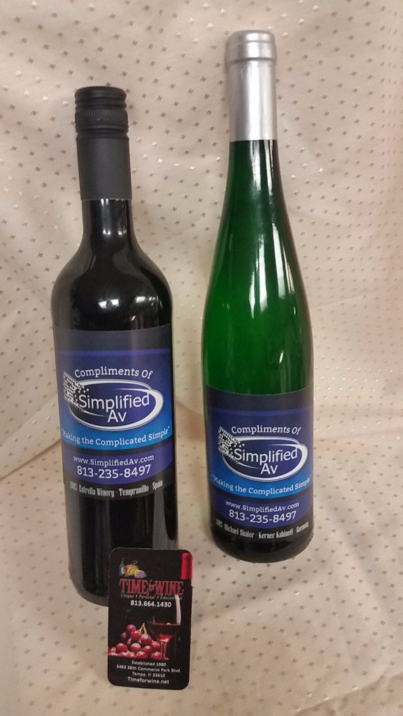 Simplified-Av-personalized-wine-bottle