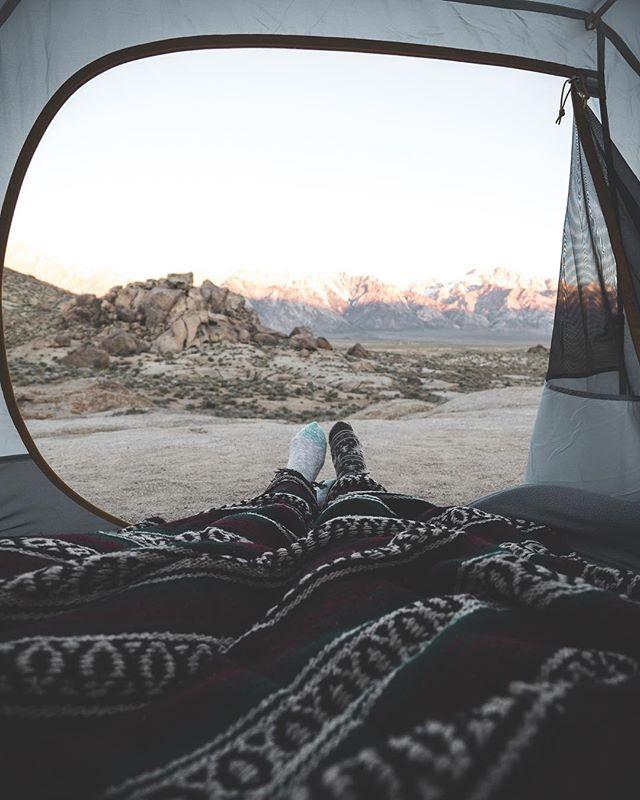 A quiet elopement where the mountains meet the desert 🏔