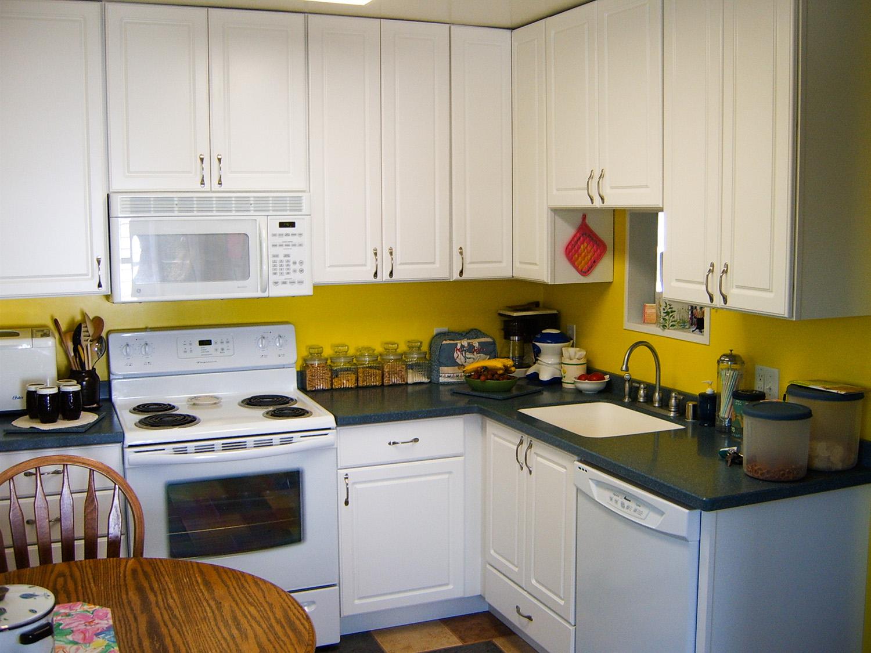 kitchen colortiles2_web.jpg