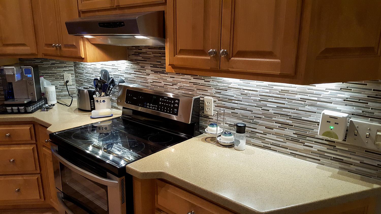 kitchen multihorz backsplash@_web.jpg