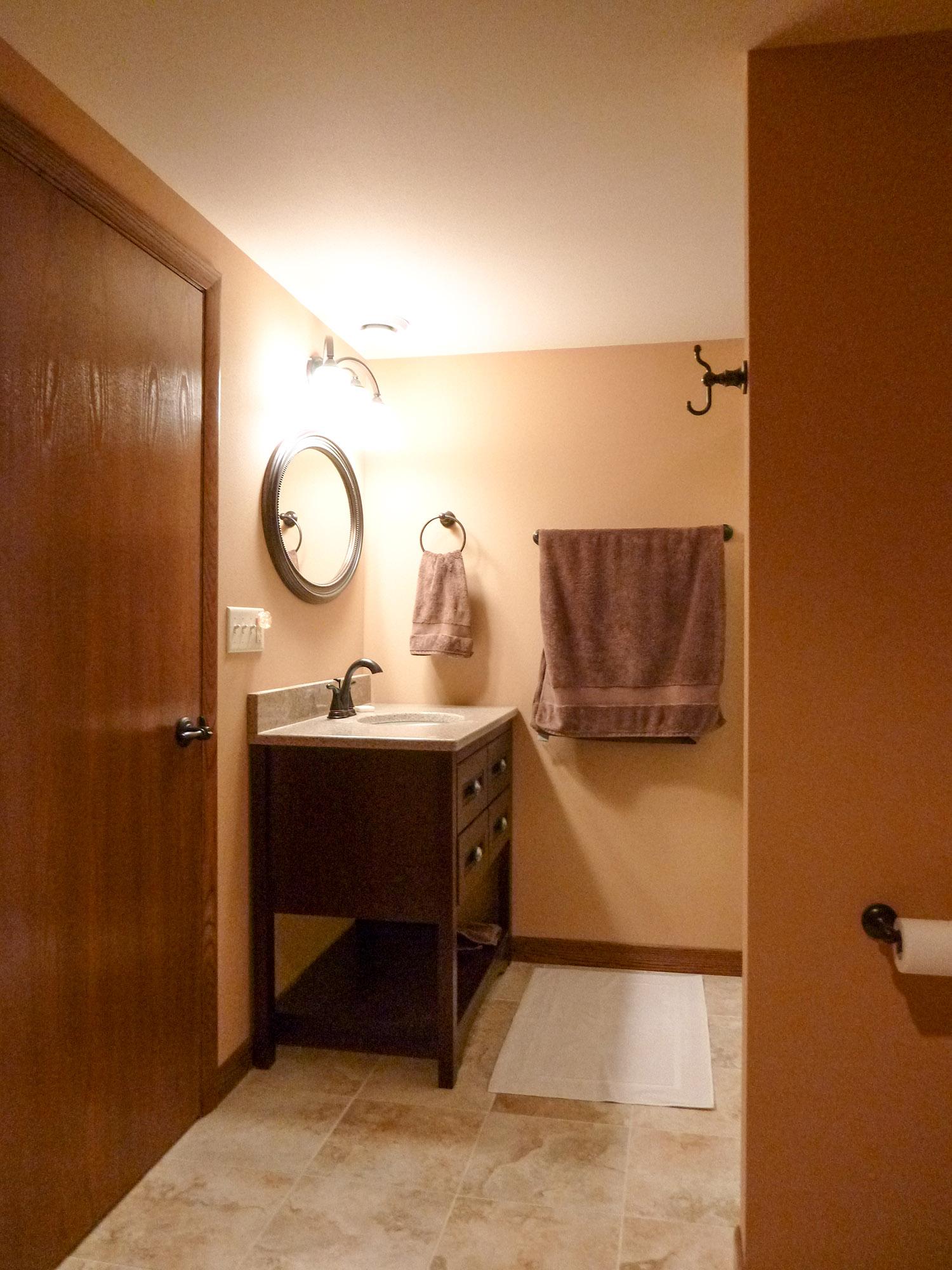 bathroom_1_web.jpg