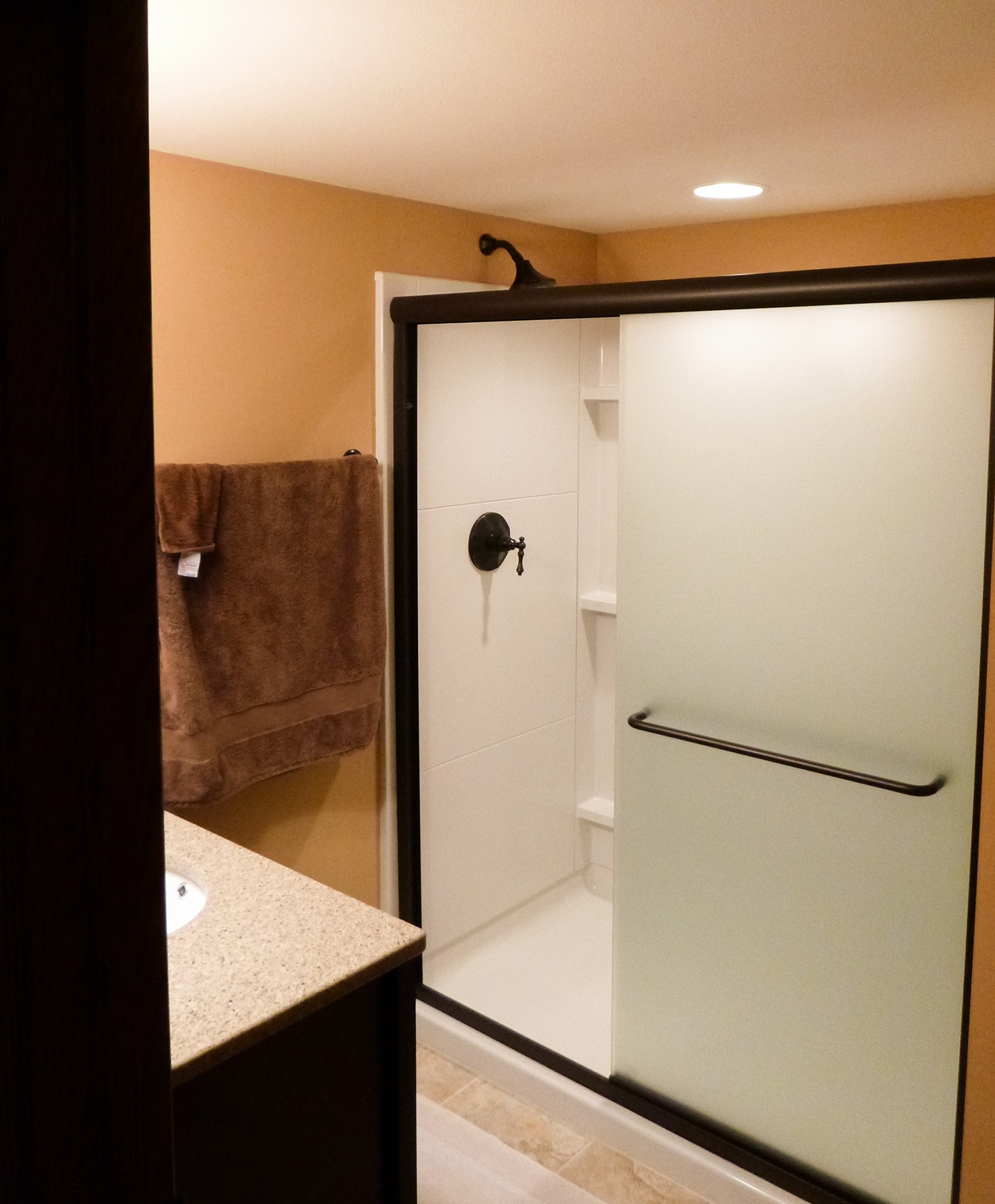 bathroom_2_web.jpg