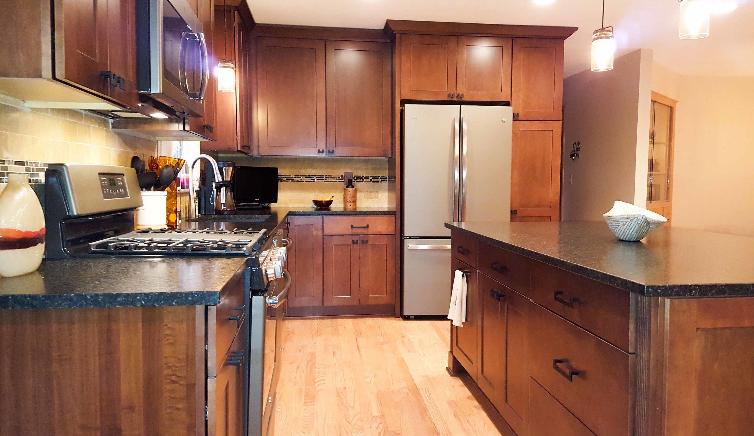 kitchen woodfloor_web.jpg
