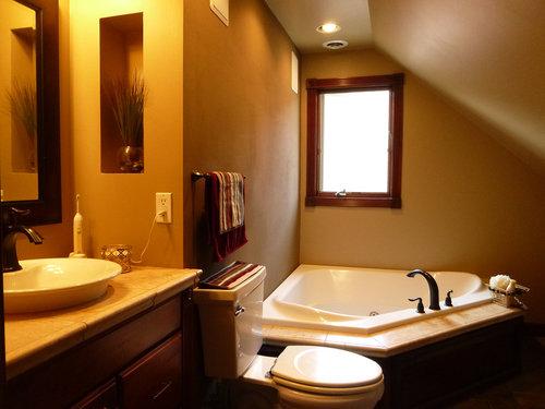 bathroom+attic+tub+web[1].jpg