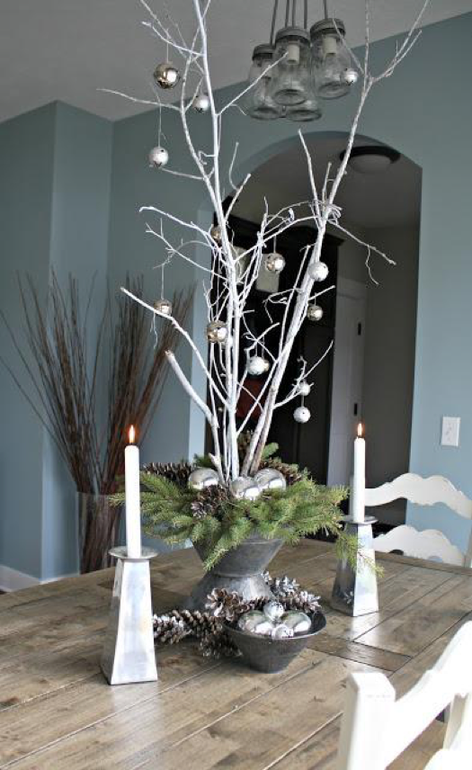Pinterst Worthy Centerpiece - Follow the link to get instructions on how to create this beautiful center piece!