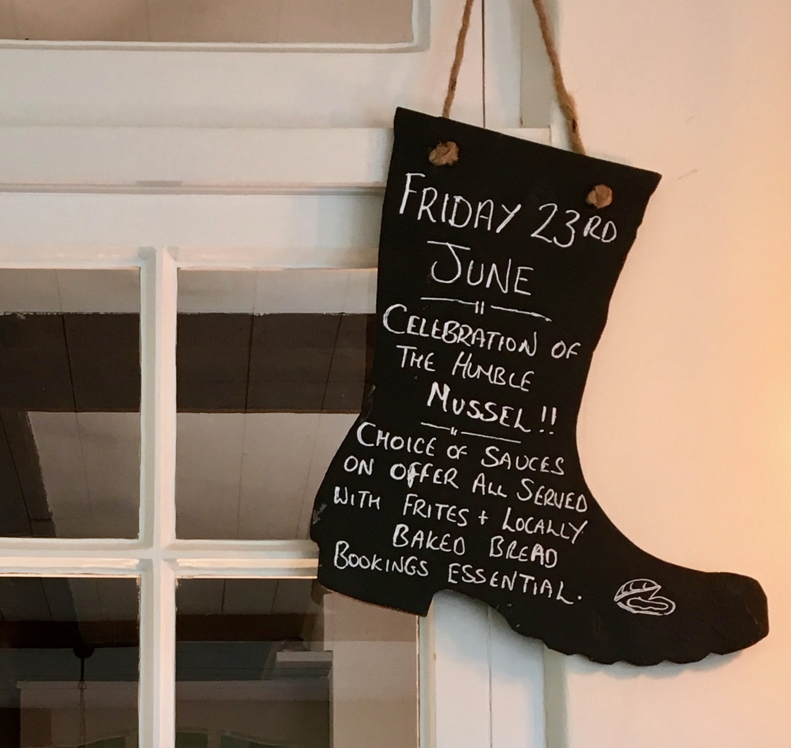 Moules et Frites night The Fishbourne Ryde