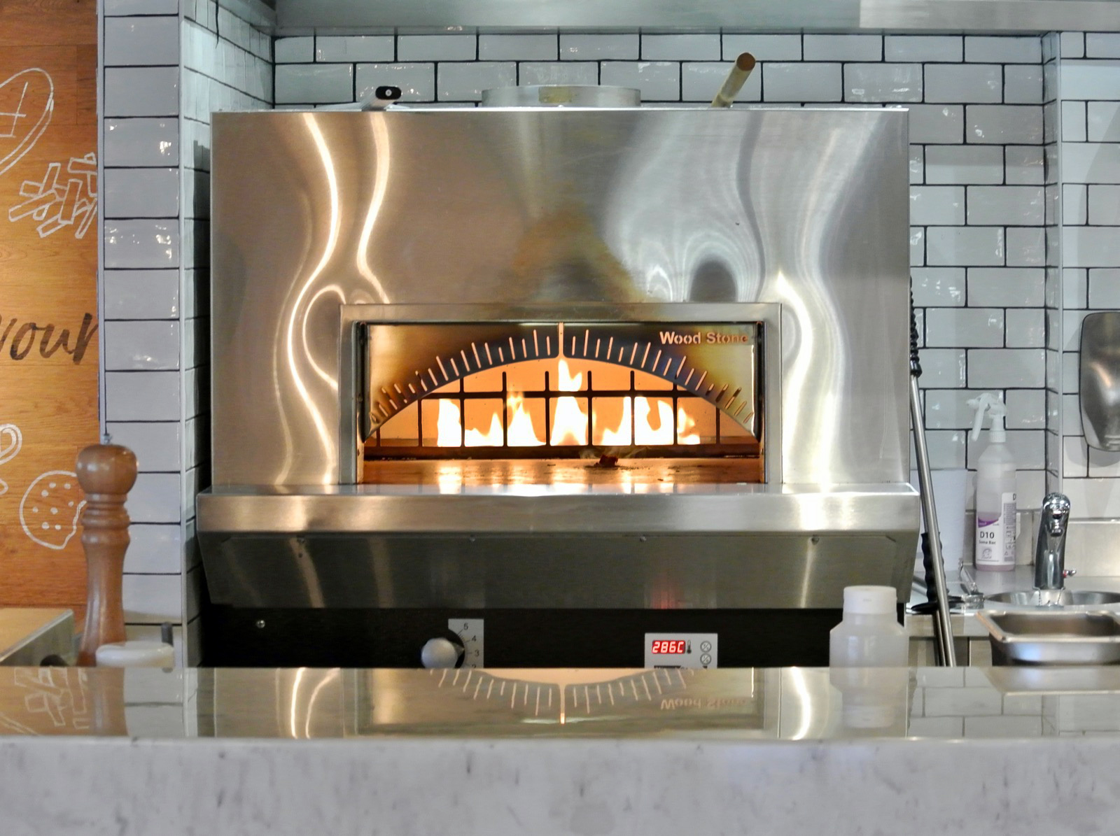 Oldbury Cookhouse and Pub Wood Burning Pizza Oven