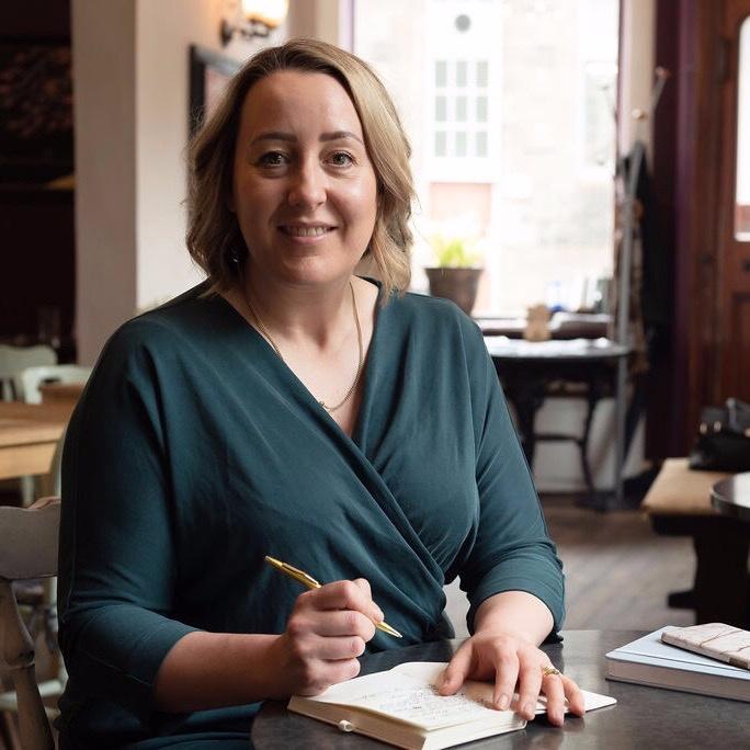 Niki Hutchison - Marketing Strategist/CoachThe Simplicity Concept