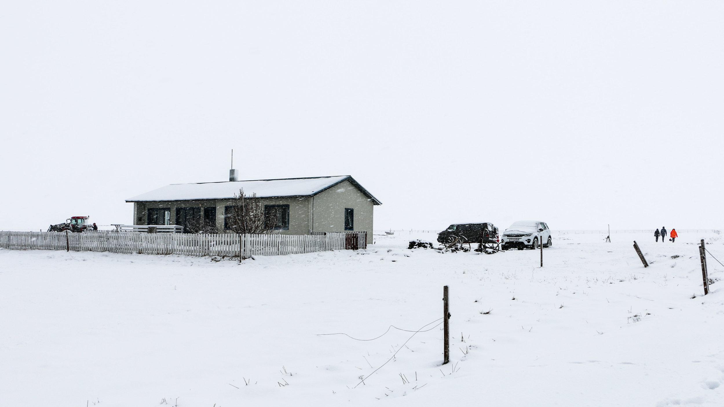 Neðri - Hóll House