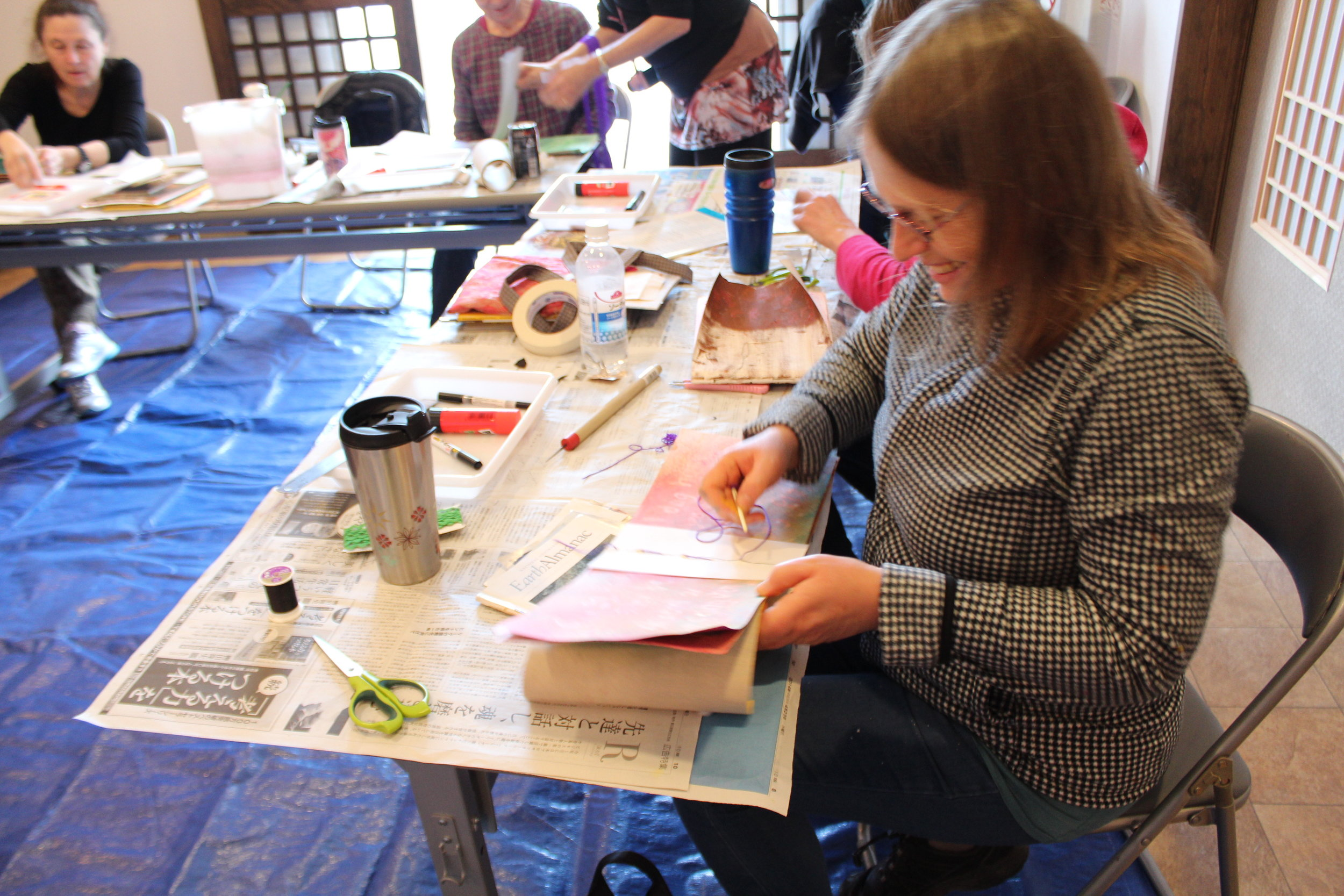 Open Art Studio - This is an open group designed for stress relief and relaxation through art.Participants can work independently or on the project of the day. Twice monthly at the Kailua Art Therapy Studio; Kailua, HI.
