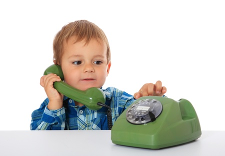 Teaching Kids 911: Explaining How to Dial 911 on Mobile and